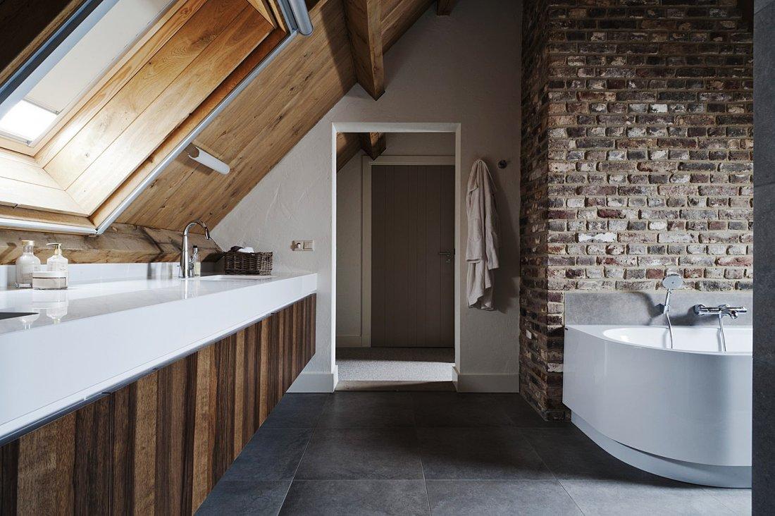 Badkamer Verlichting Ideeen : Authentieke moderne badkamer homease