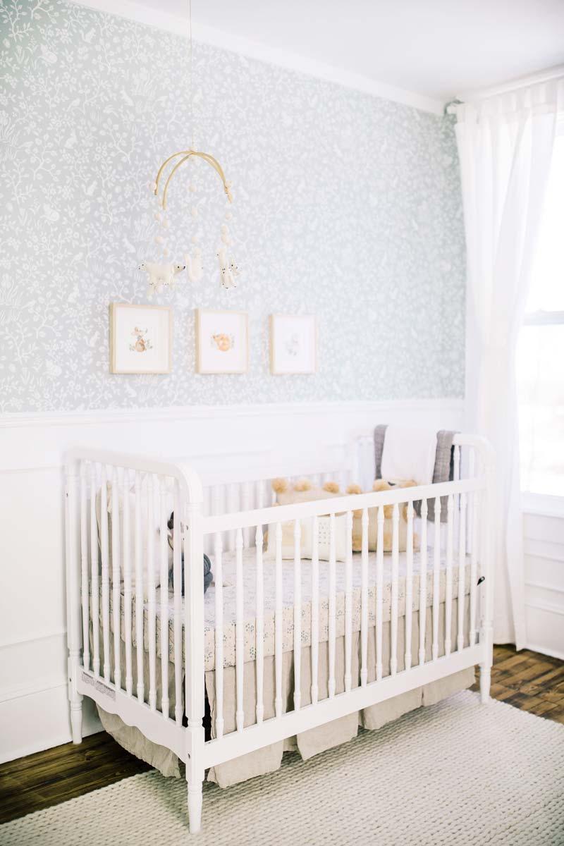 babykamer inspiratie witte ledikant