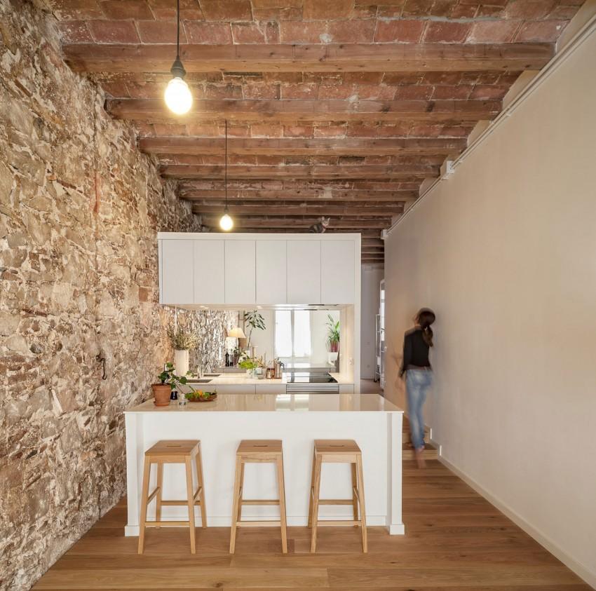 Kleine keuken in Spaans appartement   HOMEASE