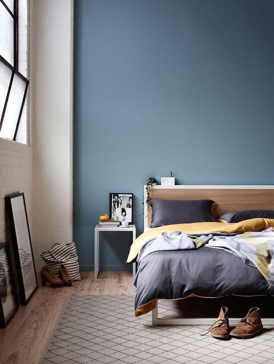blauwe-muur-slaapkamer