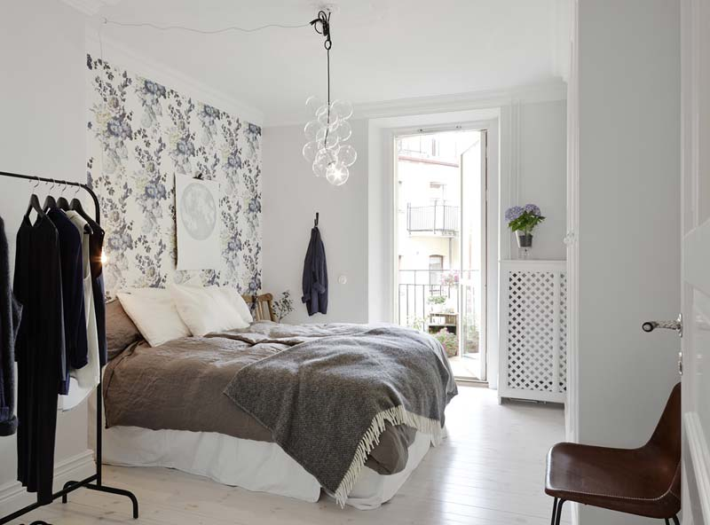 bloemetjes behangen slaapkamer