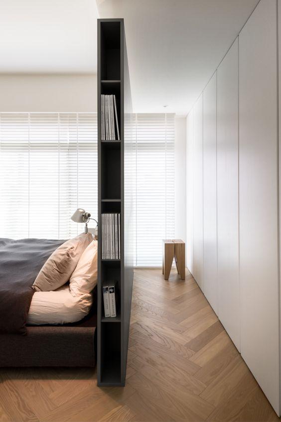 boekenkast-scheidingswand-slaapkamer-inloopkast
