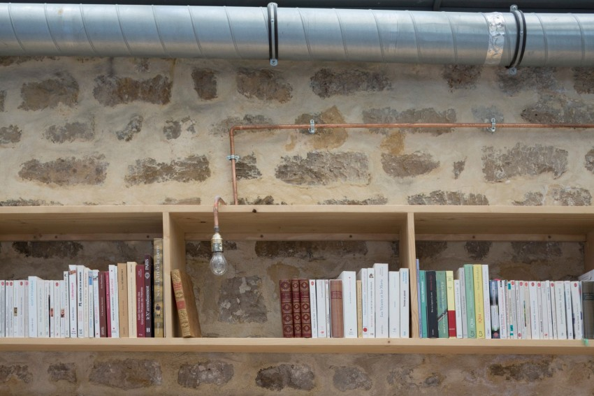 Thuiskantoor Kast: Glinsterende moza ektegels. Een boekenkast met ...