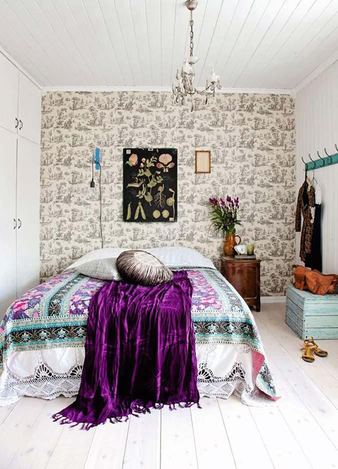 Helene uit Oslo heeft haar slaapkamer ingericht met een super leuke en kleurrijke bohemian vibe.