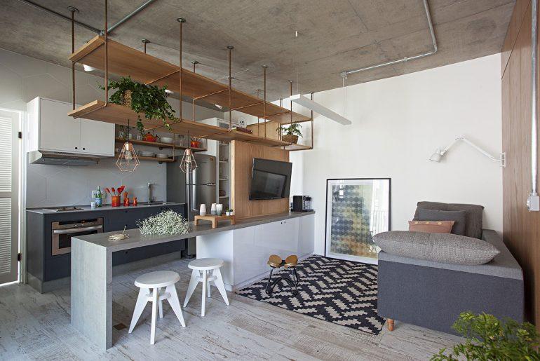 Deze kleine smalle woonkamer is ingericht met inspirerende ideeën