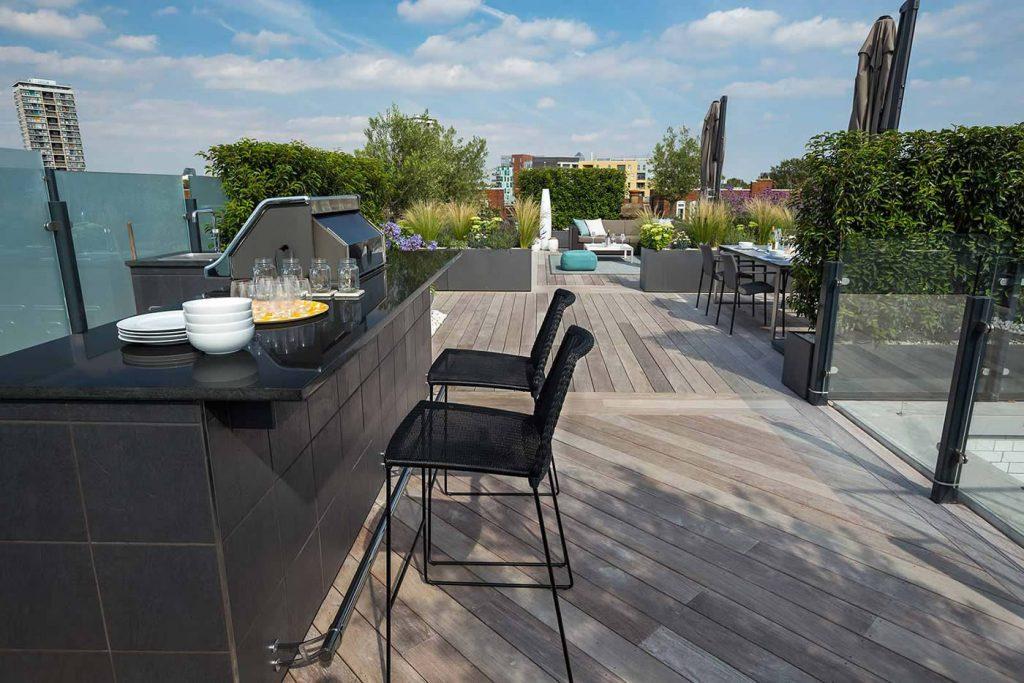 Eigentijds terras idee een pergola is een klassiek element om een