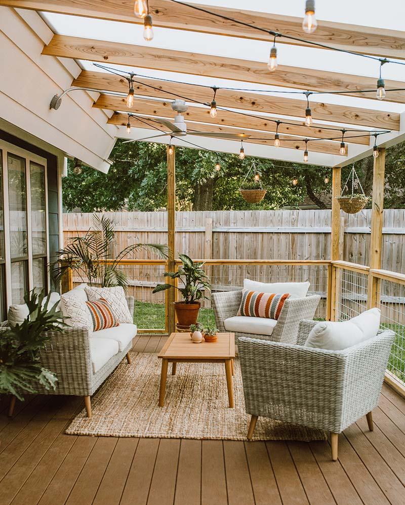 gezellige zithoek overdekt terras tuin