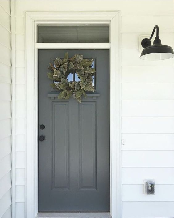 Grijze voordeur