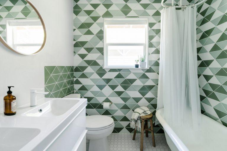groen-witte-badkamer