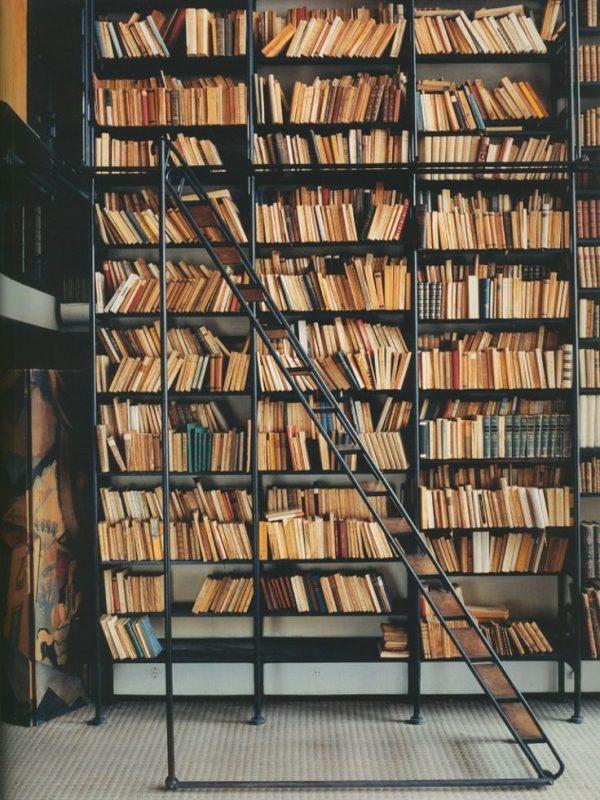 Grote boekenkast ladder