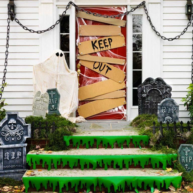 halloween decoratie ideeën voordeur dichttimmeren