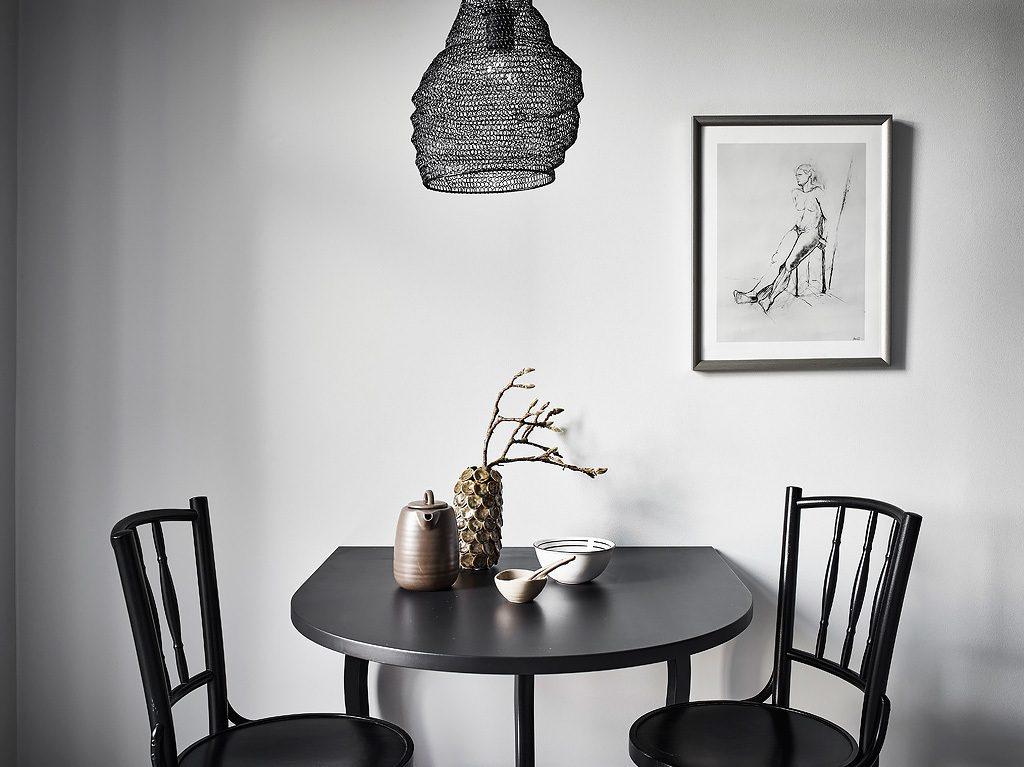 hanglamp-boven-ronde-eettafel