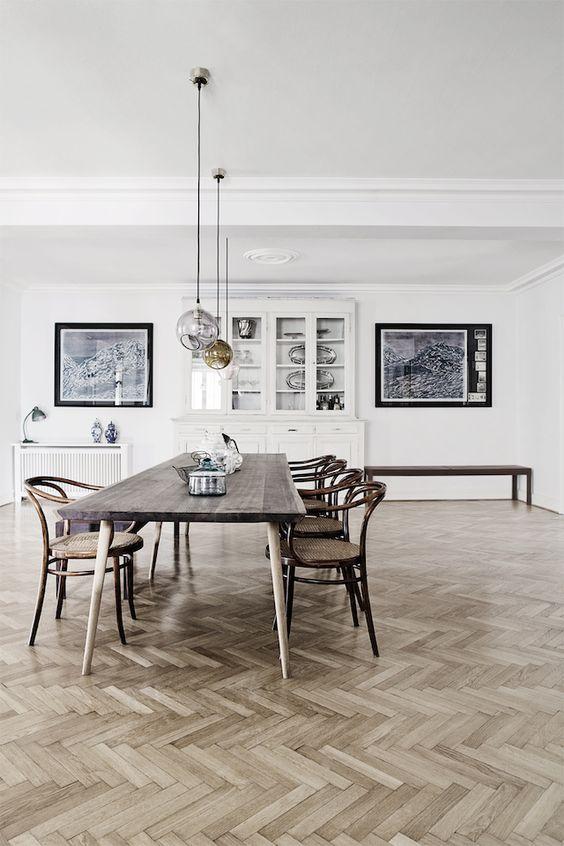 hanglampen-boven-eettafel-laten-hangen