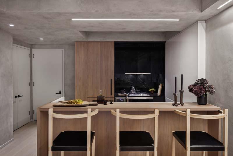 houten keukenbar barkrukken