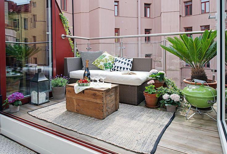 Houten Balkon Meubels : Houten vlonders op het balkon homease