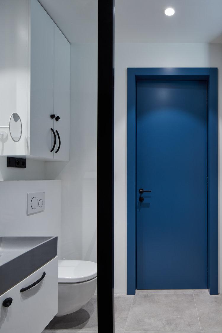 http://www.homease.nl/wp-content/uploads/in-deze-kleine-stoere-badkamer-kan-je-tv-kijken-vanuit-de-douche-4.jpg