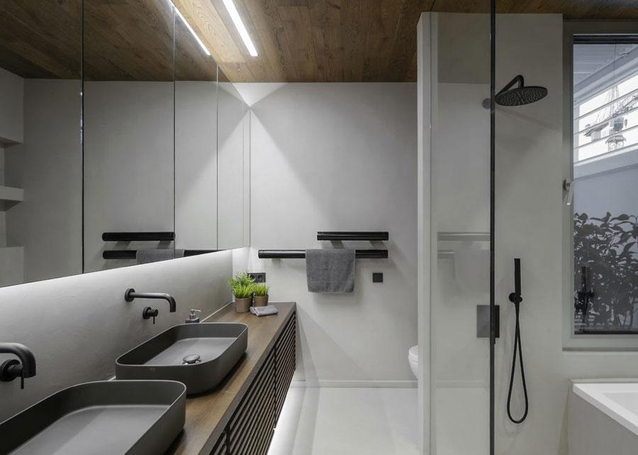 Kleine Ensuite Inloopkast : In deze moderne exclusieve slaapkamer loop je door de inloopkast