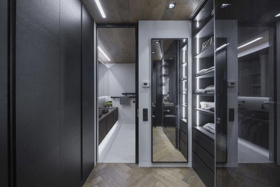 Inloopkast In Badkamer : In deze moderne exclusieve slaapkamer loop je door de inloopkast