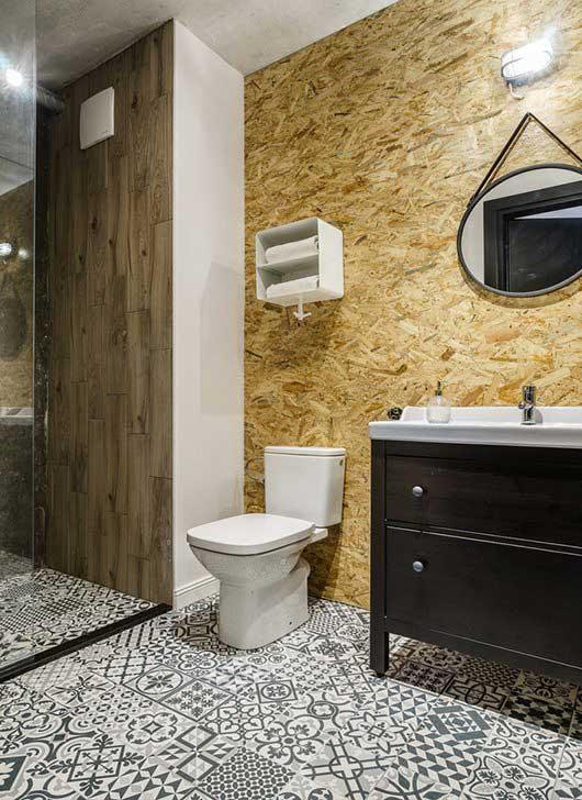 Industriële badkamer met OSB muur