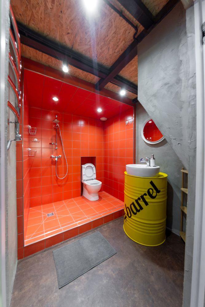 Industriële badkamer met stalen balken