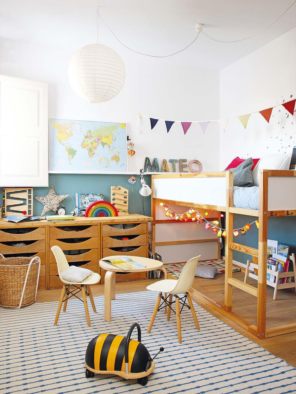 jongenskamer ideeen mix oud nieuw - IKEA Kura bed