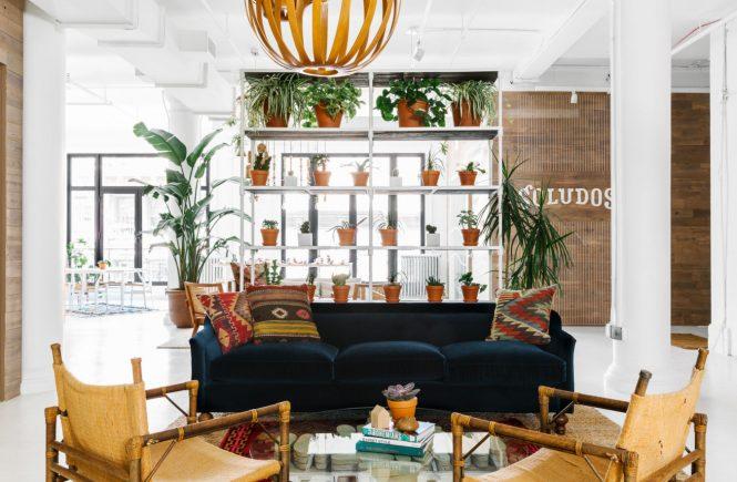 Het mooie kantoor van schoenenmerk Soludos