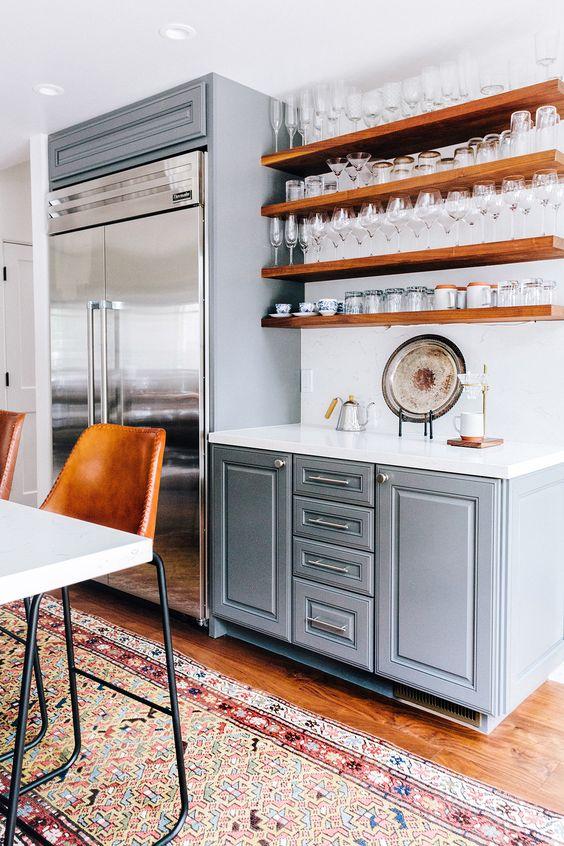 Koelkast ombouw in stijl van keuken