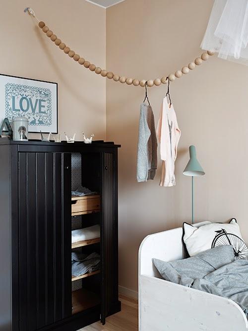 Kinderkamer met warme tinten