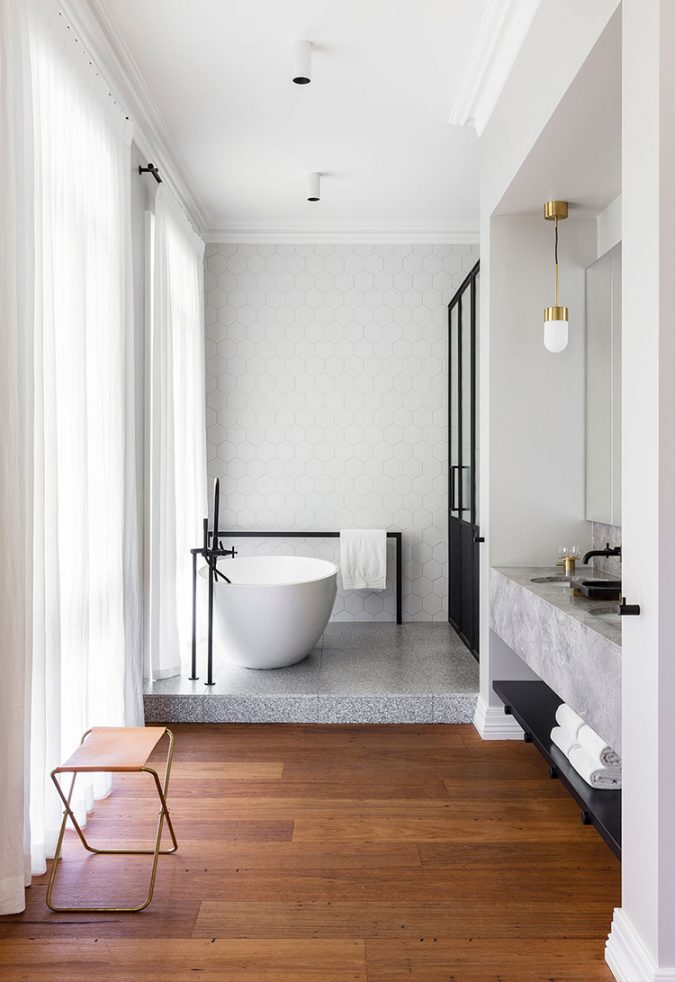 Klassieke badkamer ornamenten plafond