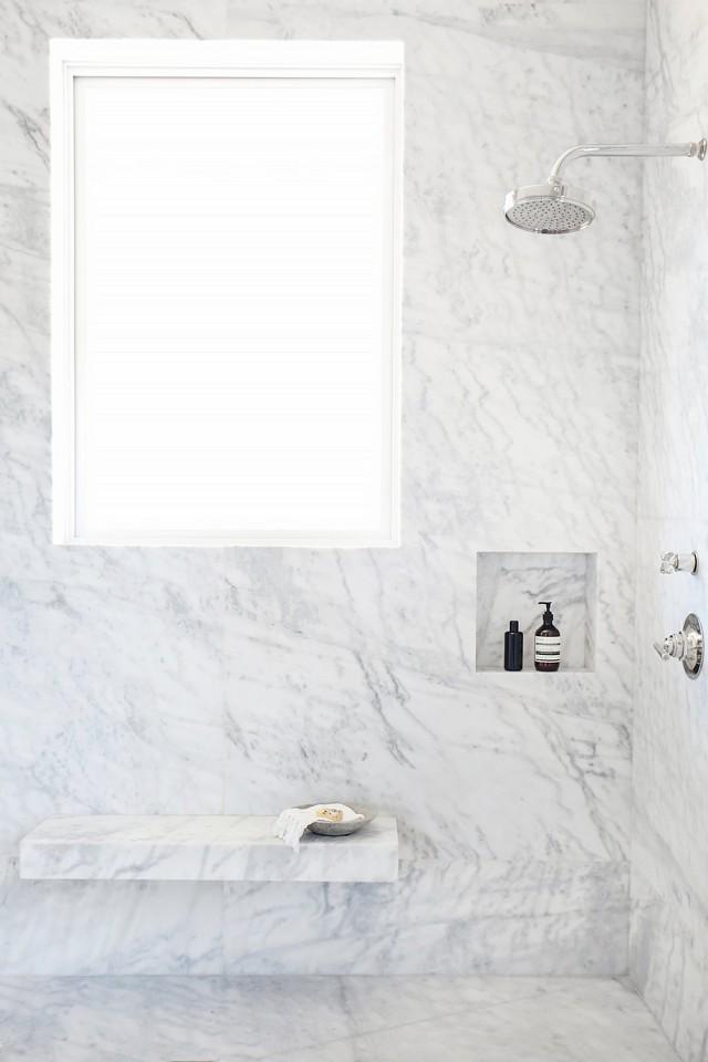 De klassieke chique badkamer van interieurontwerpster Vanessa Alexander