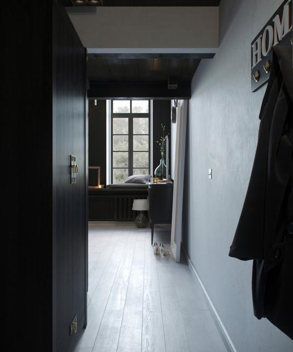 Klein appartement met een klassiek industrieel interieur