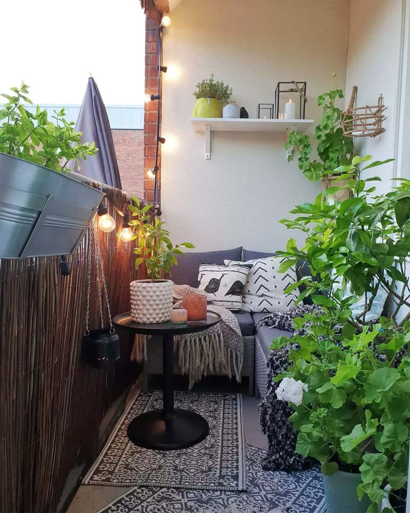 Klein gezellig balkon