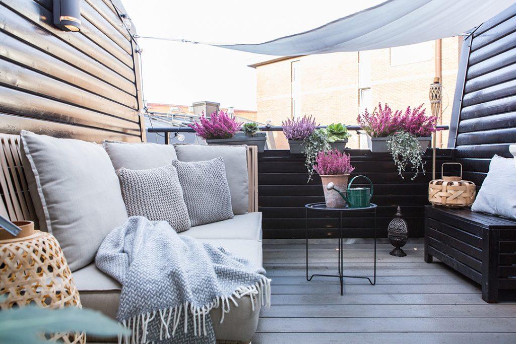 Klein balkon terras aan de slaapkamer
