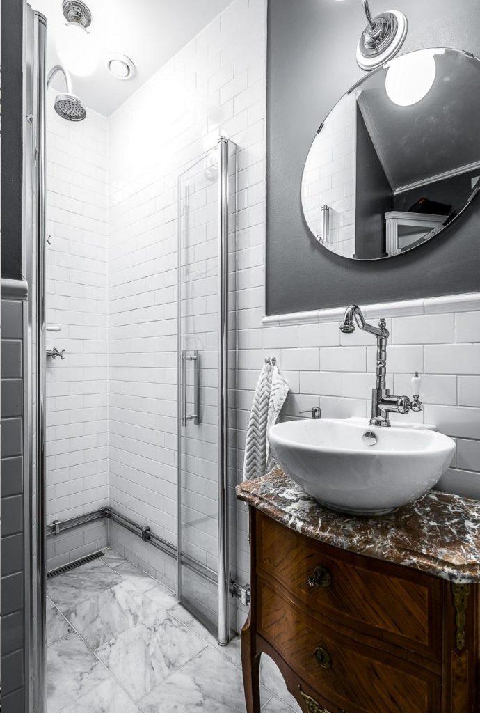 kleine-badkamer-marmeren-vloer