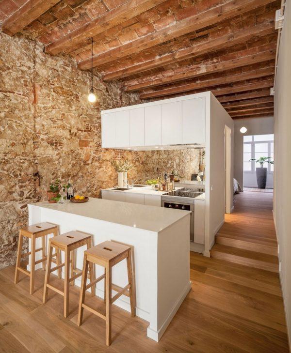 Kleine keuken in Spaans appartement