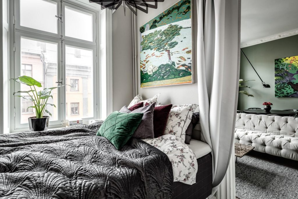 kleine-slaapkamer-gordijnen-deur
