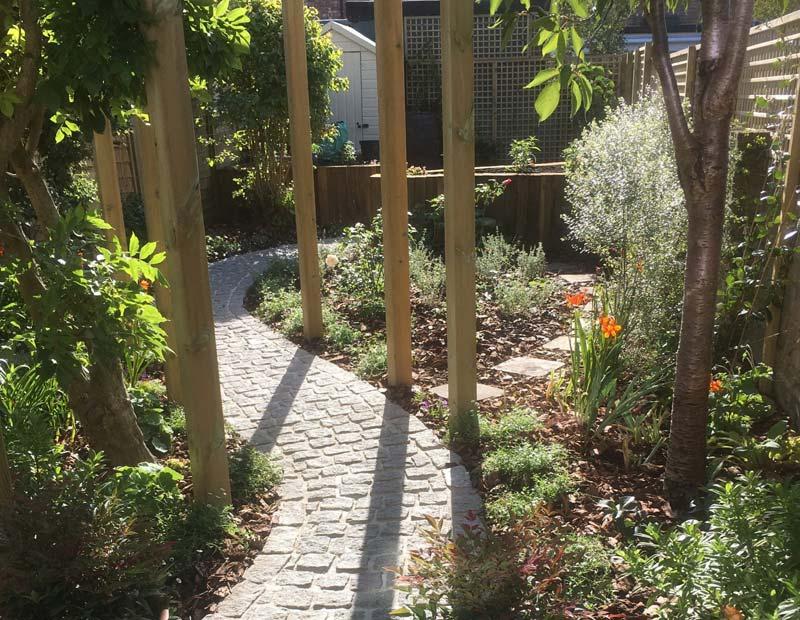 kleine tuin ontwerpen cottage stijl tuin