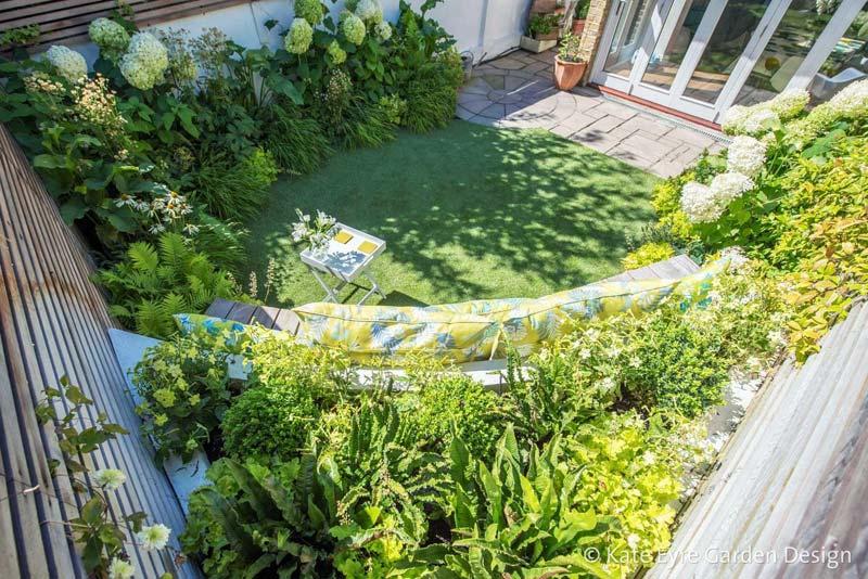 kleine tuin ontwerpen creatief gebruik planten