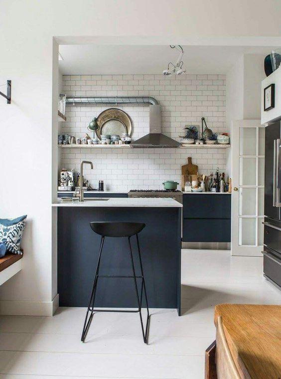 Kleine woonkamer keuken bar