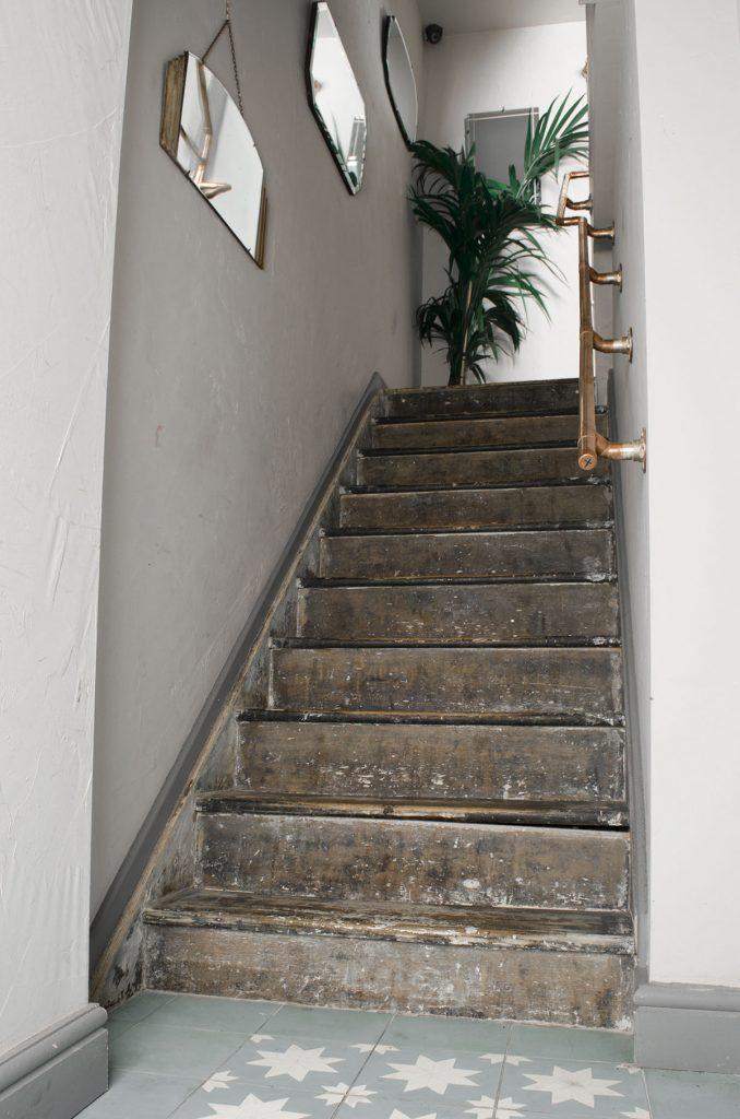Koperen trapleuningen