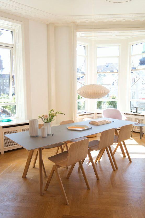 laaghangende-lamp-boven-eettafel