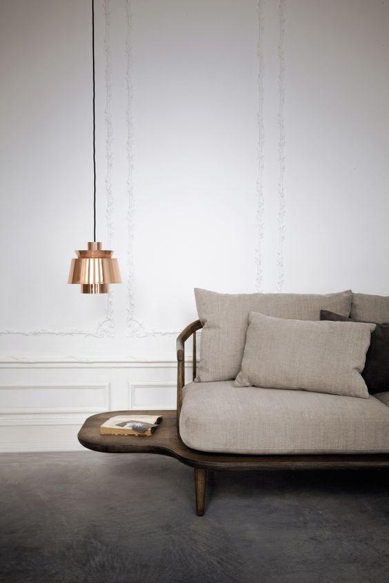 laaghangende-lamp-naast-bank