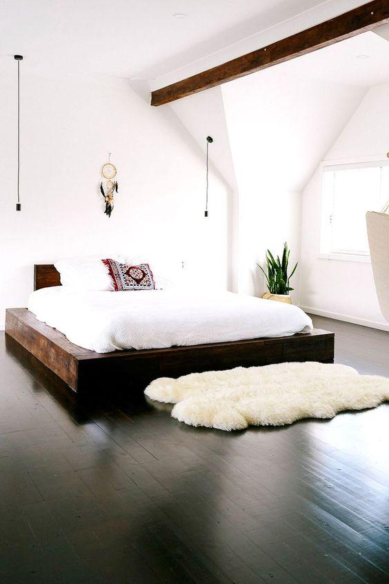 laaghangende-lampen-naast-bed