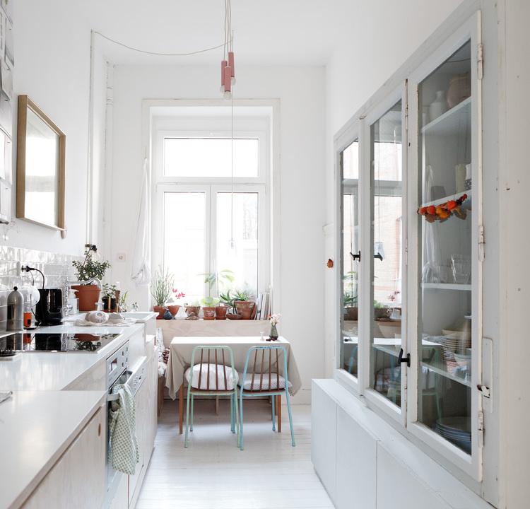Licht appartement ingericht in de mooie Scandinavische stijl   HOMEASE