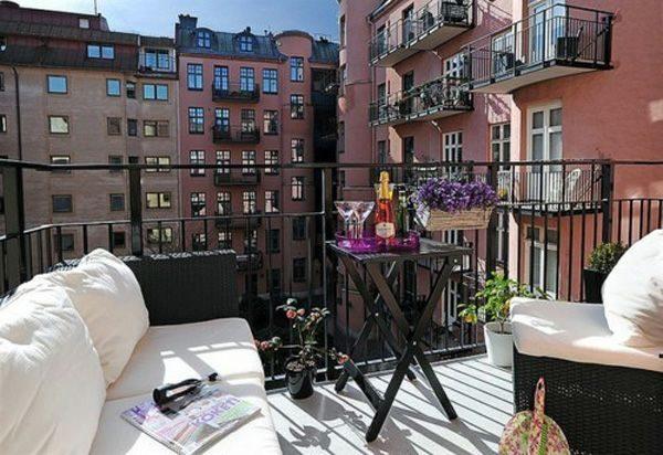 Lounge bank op balkon