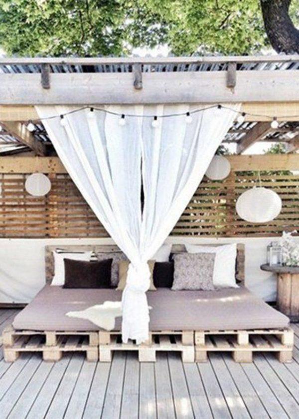 Loungebedden van houten pallets