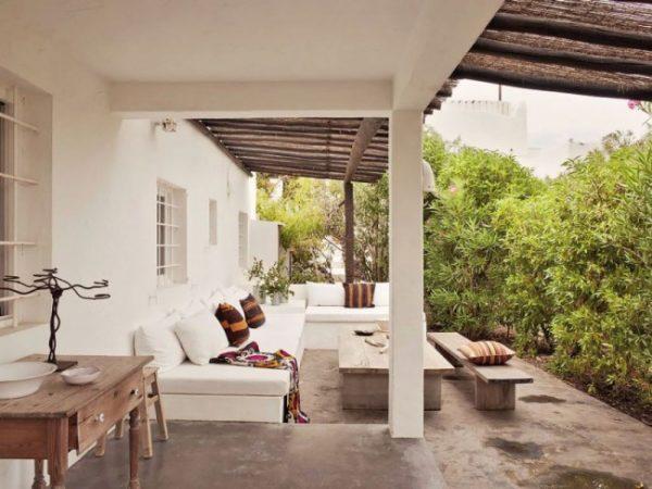 Loungetuin van vakantievilla op Ibiza