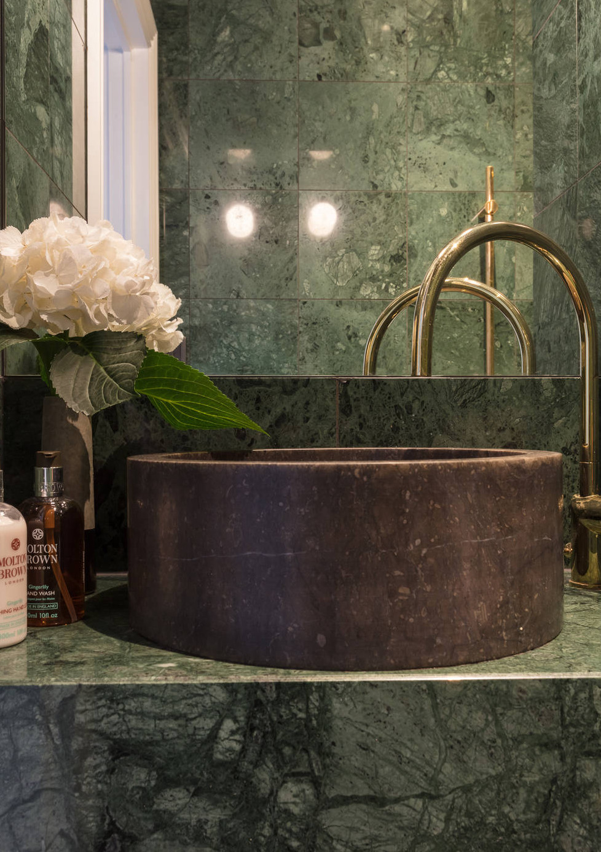 luxe badkamer groen marmer waskom