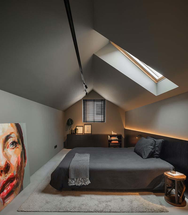 luxe intieme slaapkamer zolder
