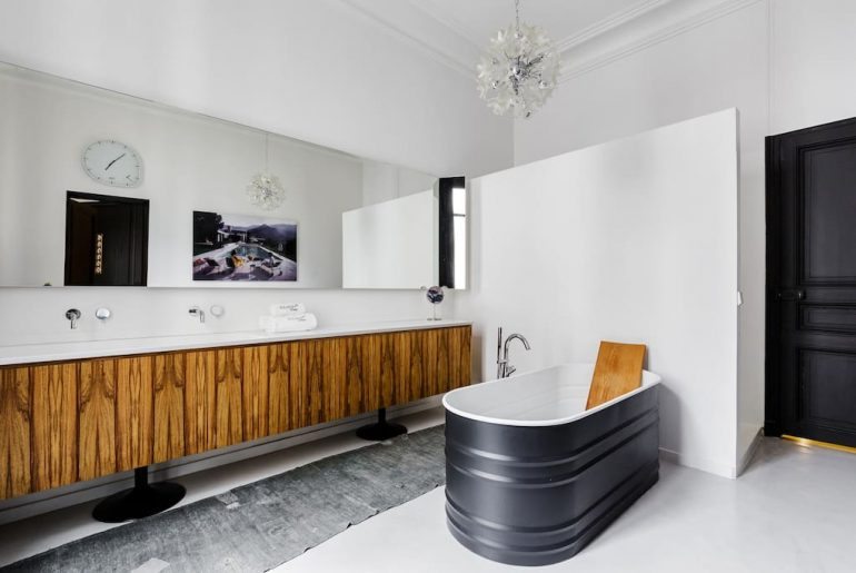 luxe karakteristieke badkamer vrijstaand bad agabe